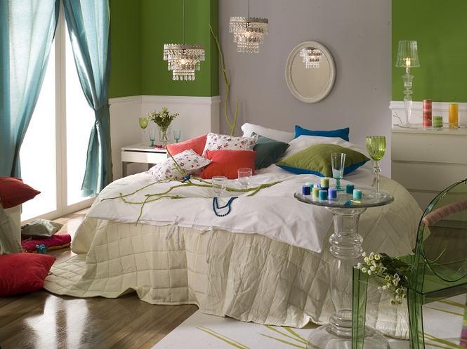 3 pomysły na kolor w sypialni: zielony, amarantowy, biały