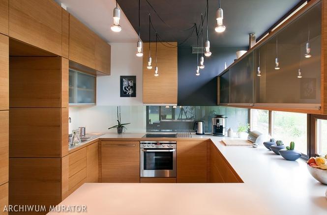 Nowoczesna kuchnia - przykładowe aranżacje: drewniana