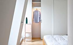 Szafa wnękowa, garderoba, schowek. Zaplanuj miejsca do przechowywania rzeczy