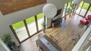 Podłoga z desek na ogrzewaniu podłogowym. Jakie drewno układać na podłogówce?