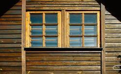 Elewacja z drewna. Jak konserwować i remontować drewnianą elewację?