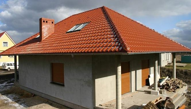 Czy duży dom o prostej bryle musi przypominać stodołę?